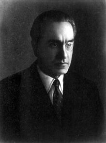 Julius Evola in una fotografia dei primi anni quaranta