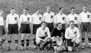 Posto d'onore per il Wunderteam austriaco, considerata la migliore formazione del Mondiale 1934.